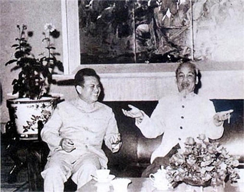 Nhung hinh anh khong the quen ve Chu tich Ho Chi Minh vi dai-Hinh-8