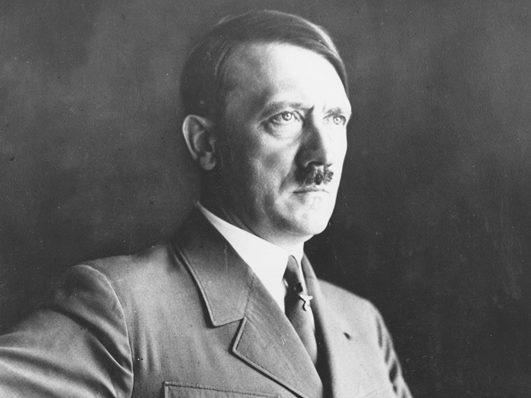 """Hitler chet, My - Lien Xo chay dua """"chieu mo"""" cac nha khoa hoc Duc"""