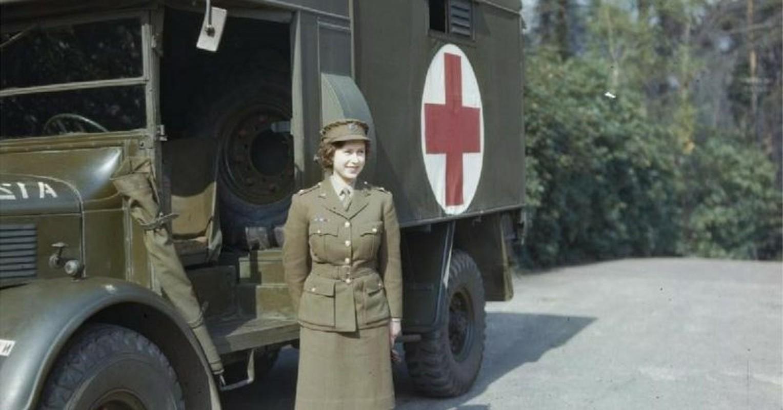 Vi sao Nu hoang Anh Elizabeth II tung lam tho sua xe?-Hinh-9
