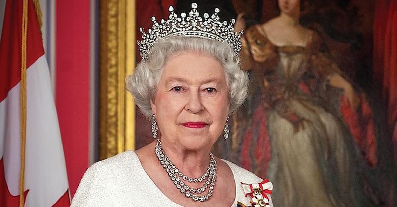 Vi sao Nu hoang Anh Elizabeth II tung lam tho sua xe?