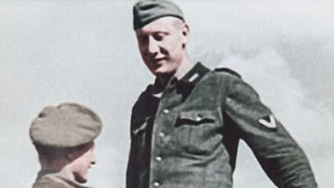Bi mat nguoi linh co chieu cao khung nhat trong quan doi Hitler-Hinh-7