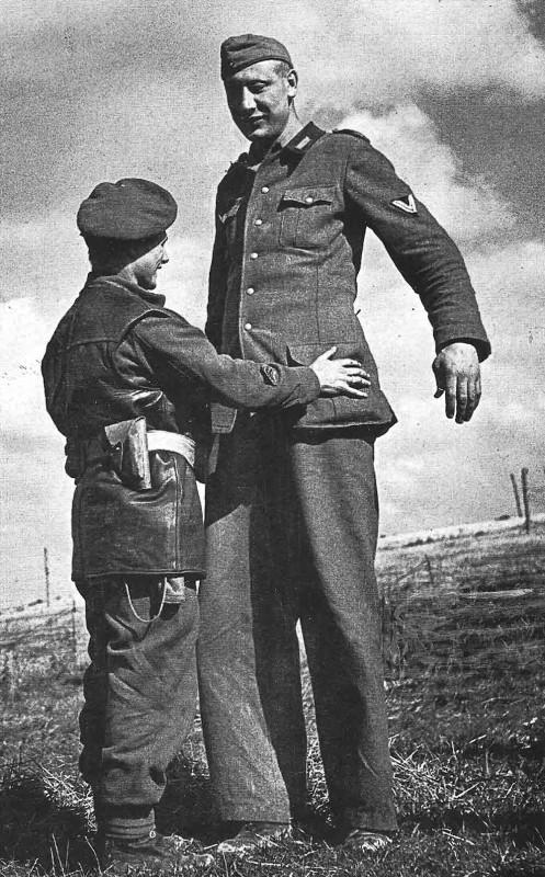 Bi mat nguoi linh co chieu cao khung nhat trong quan doi Hitler-Hinh-9