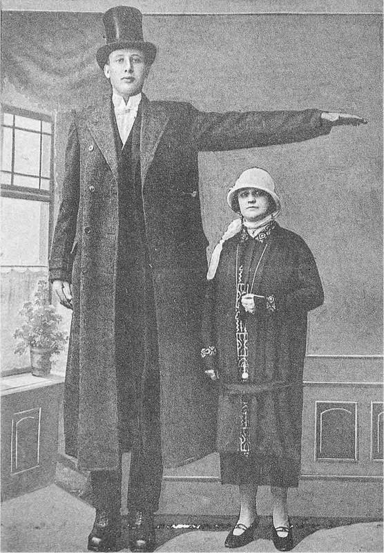 Bi mat nguoi linh co chieu cao khung nhat trong quan doi Hitler