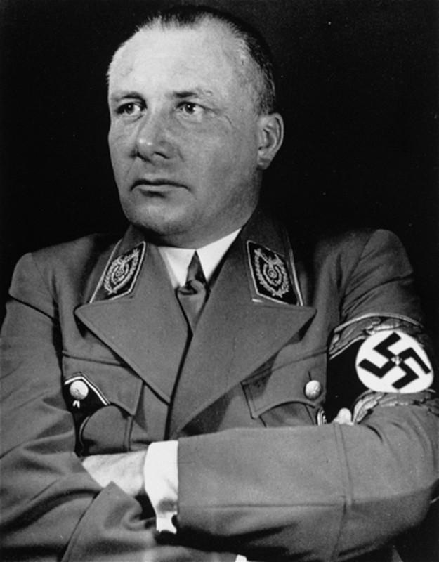 Ket tham cua thu ky rieng, tay sai than tin lam viec cho Hitler-Hinh-5