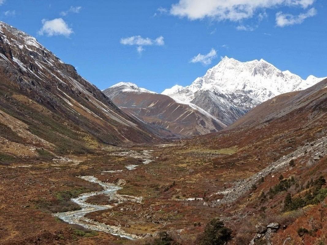 Bi an ve ngon nui linh thieng noi tieng Bhutan-Hinh-5