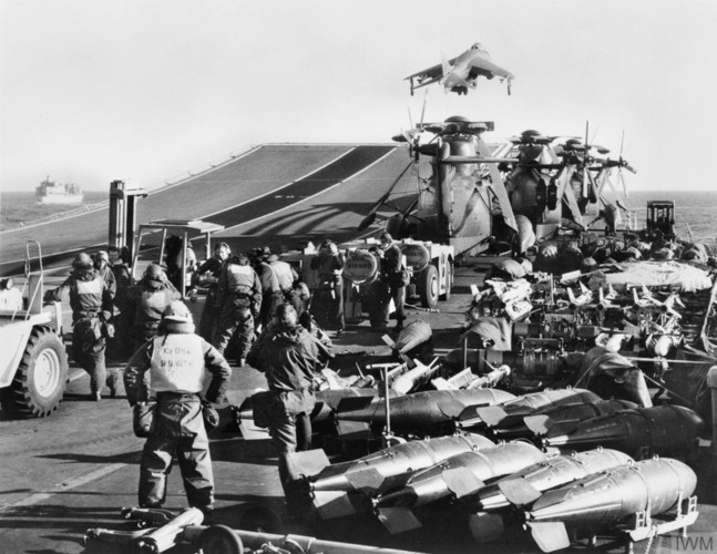 "Choang voi dong thai ran mat cua ""ba dam thep"" trong cuoc chien Falklands-Hinh-9"