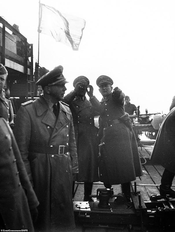 Lo anh linh Duc quoc xa chuan bi cho cuoc xam luoc Anh 1940