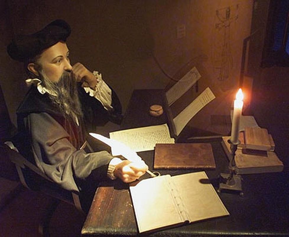 """Nha tien tri noi tieng the gioi Nostradamus """"phan gi"""" ve nam 2021?-Hinh-4"""