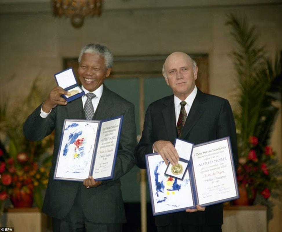 "Anh ""doc hiem"" ong Nelson Mandela ben cac nhan vat noi tieng the gioi-Hinh-3"