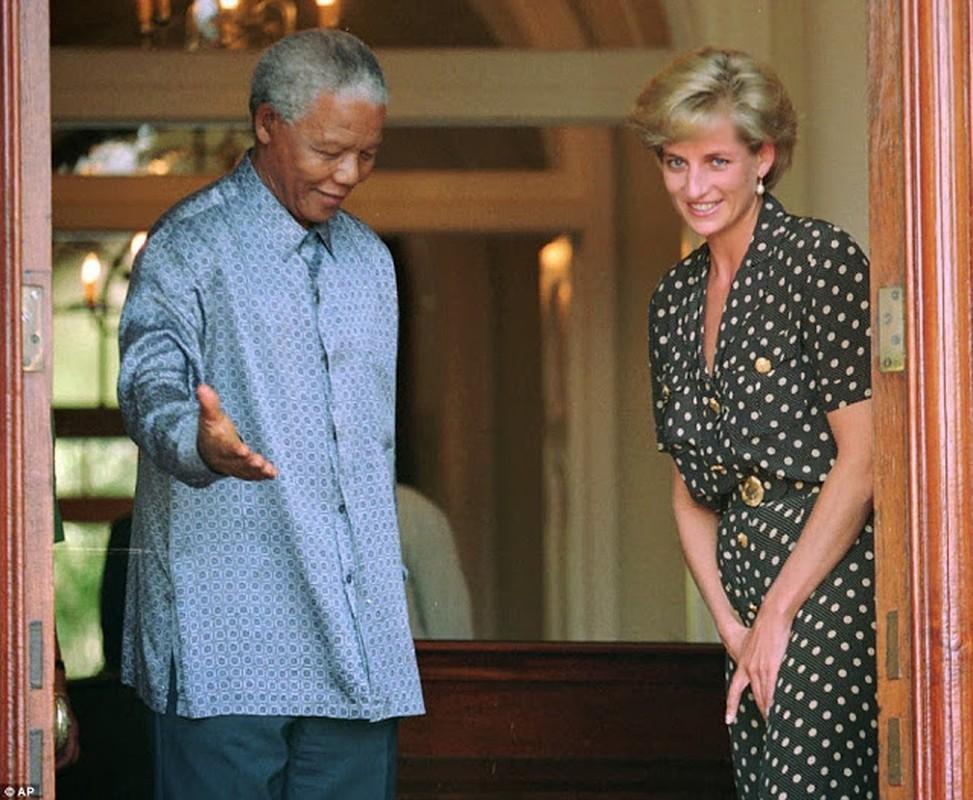 "Anh ""doc hiem"" ong Nelson Mandela ben cac nhan vat noi tieng the gioi-Hinh-7"