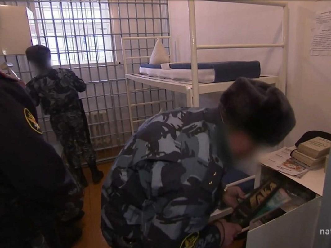 Nha tu giam giu toi pham an thit nguoi-Hinh-14