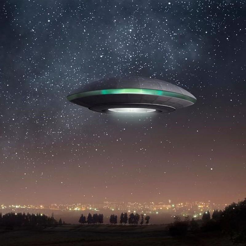 Chan dong: UFO phat anh sang mau xanh xuat hien o My?-Hinh-9