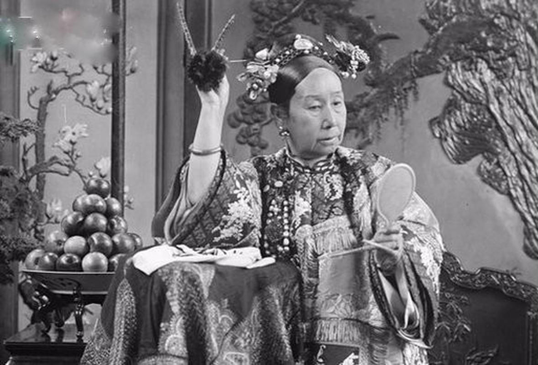 Choang vang quy dinh khat khe danh cho cung nu cua Tu Hy Thai Hau