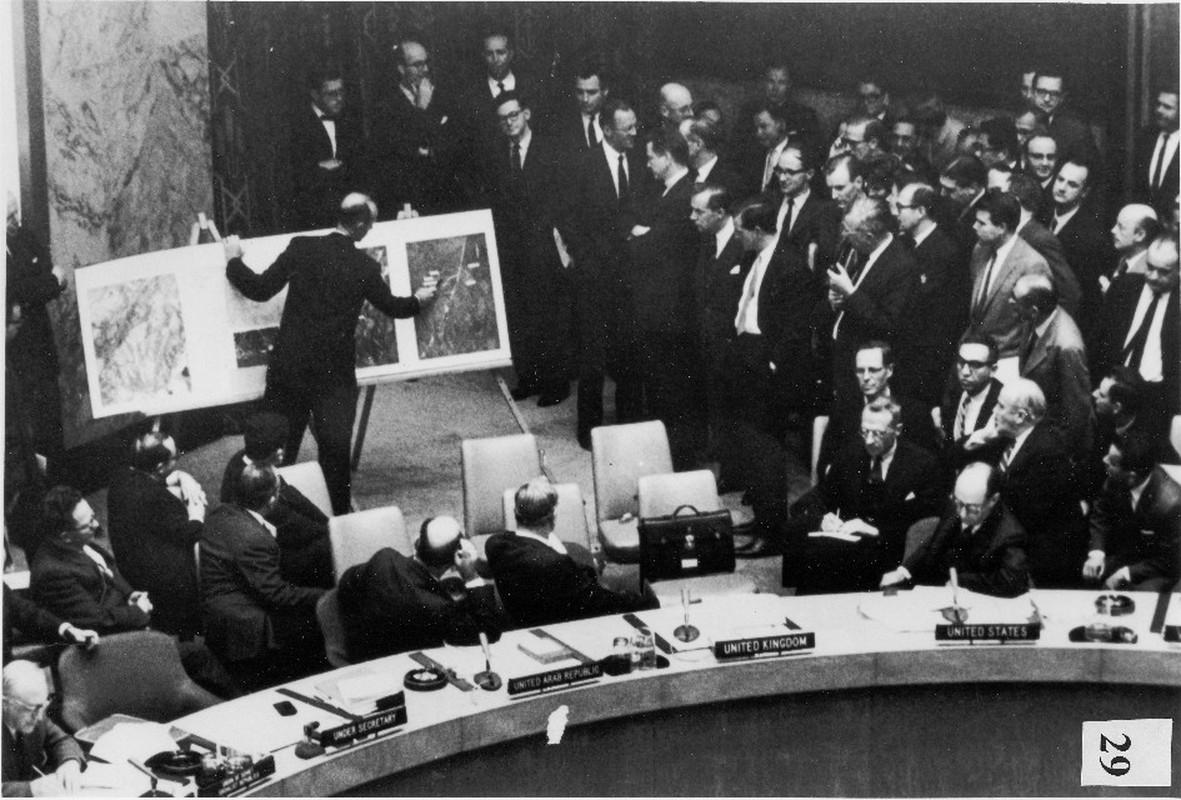 """""""Dung tim"""" nguy co chien tranh hat nhan tai Cuba nam 1962"""