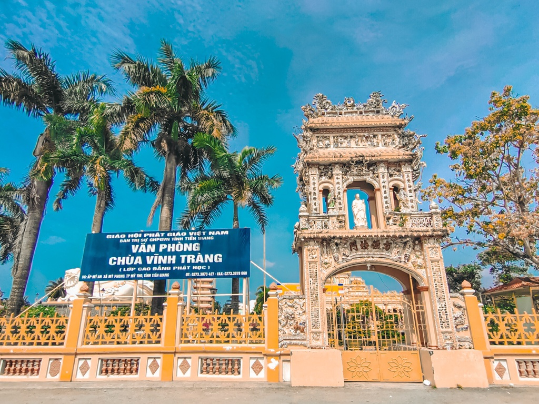 An tuong ngoi chua o Tien Giang voi 3 tuong Phat lon doc dao-Hinh-3