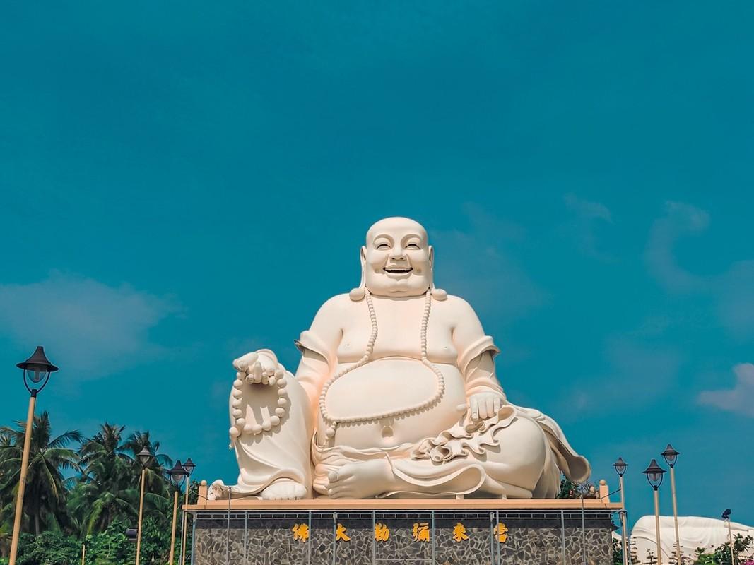 An tuong ngoi chua o Tien Giang voi 3 tuong Phat lon doc dao-Hinh-8