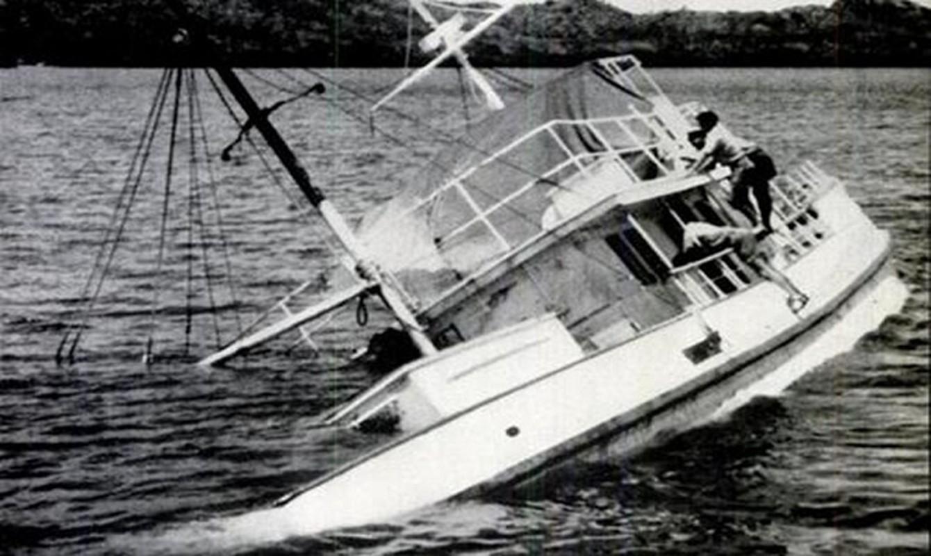 Bi an 25 thuy thu bien mat tren bien nam 1955-Hinh-6
