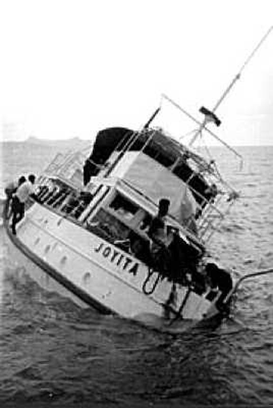 Bi an 25 thuy thu bien mat tren bien nam 1955-Hinh-7