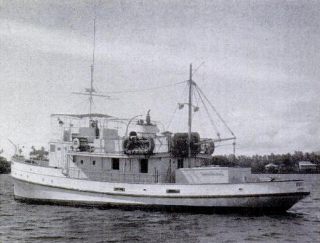 Bi an 25 thuy thu bien mat tren bien nam 1955