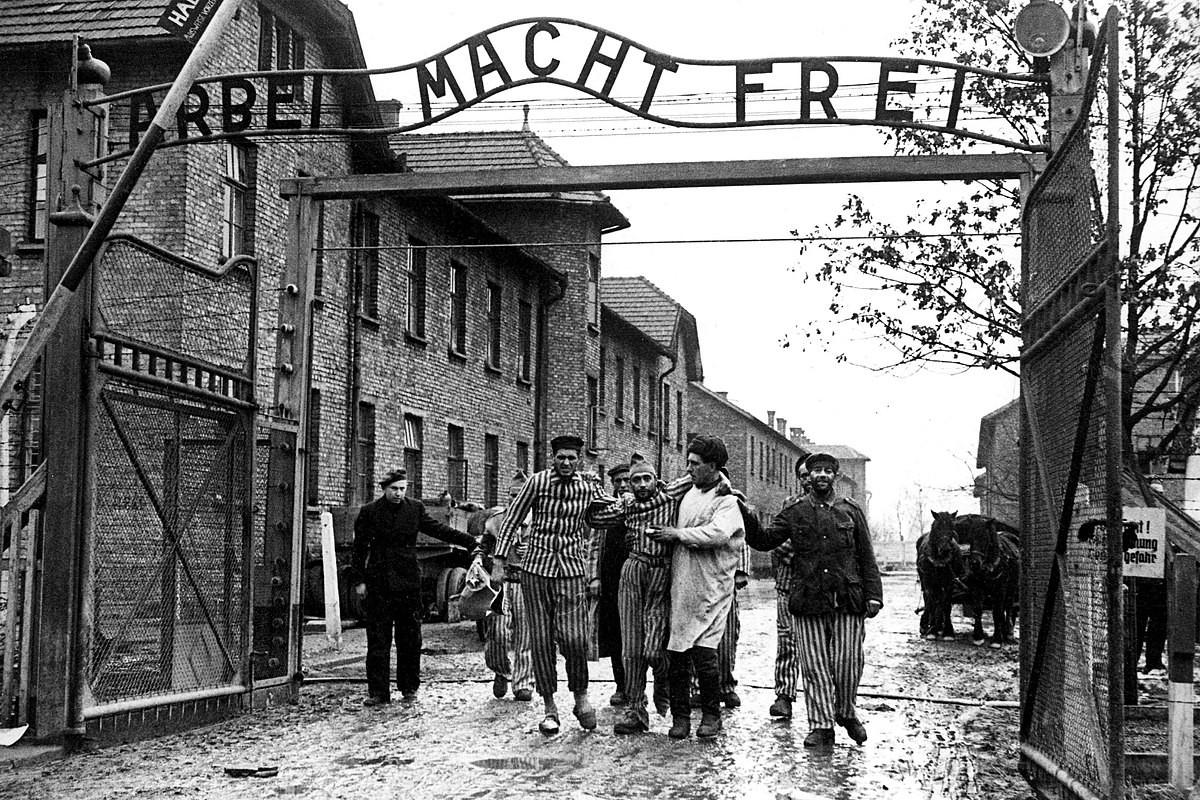 Toi ac rung ron cua Duc quoc xa tai Auschwitz phoi bay nam 1945-Hinh-3