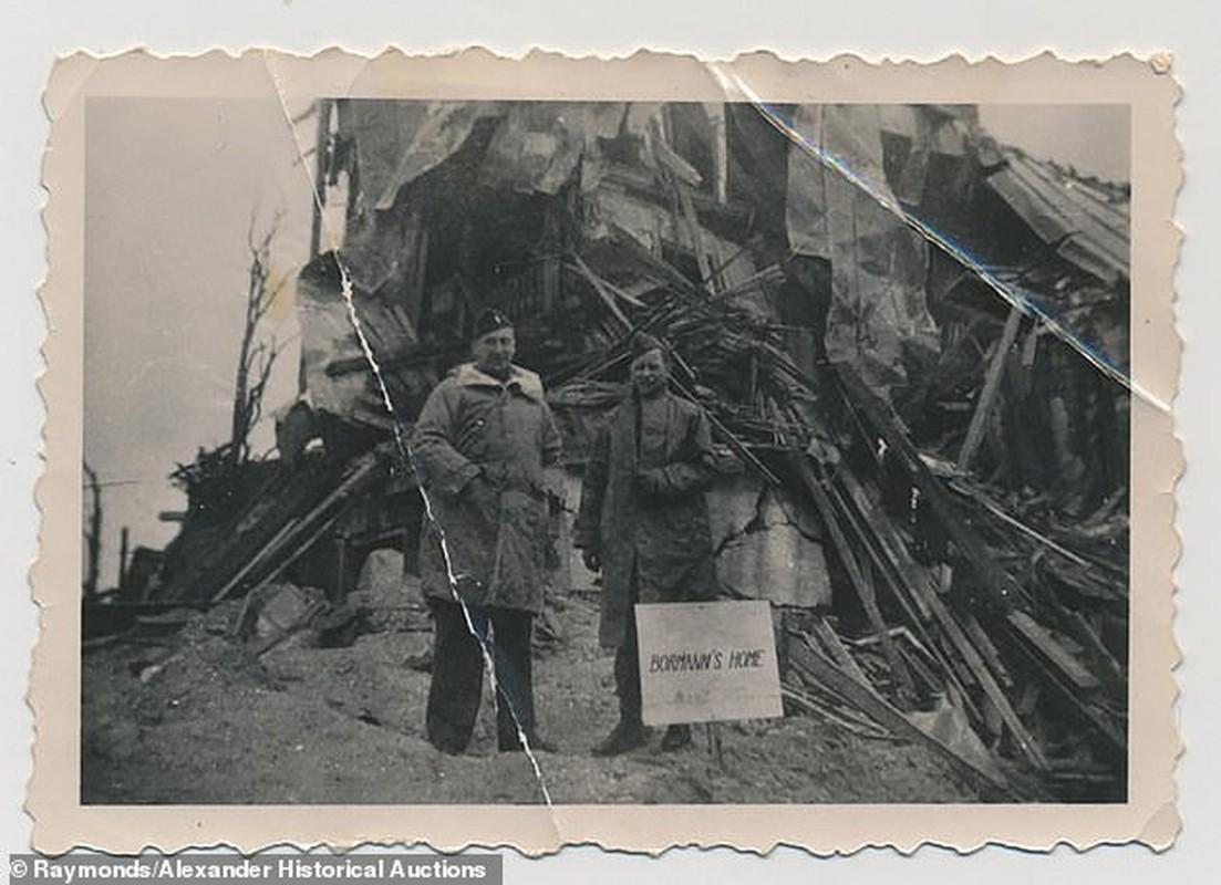 Ky quai be ngoi toilet cua Hitler duoc ban dau gia-Hinh-2