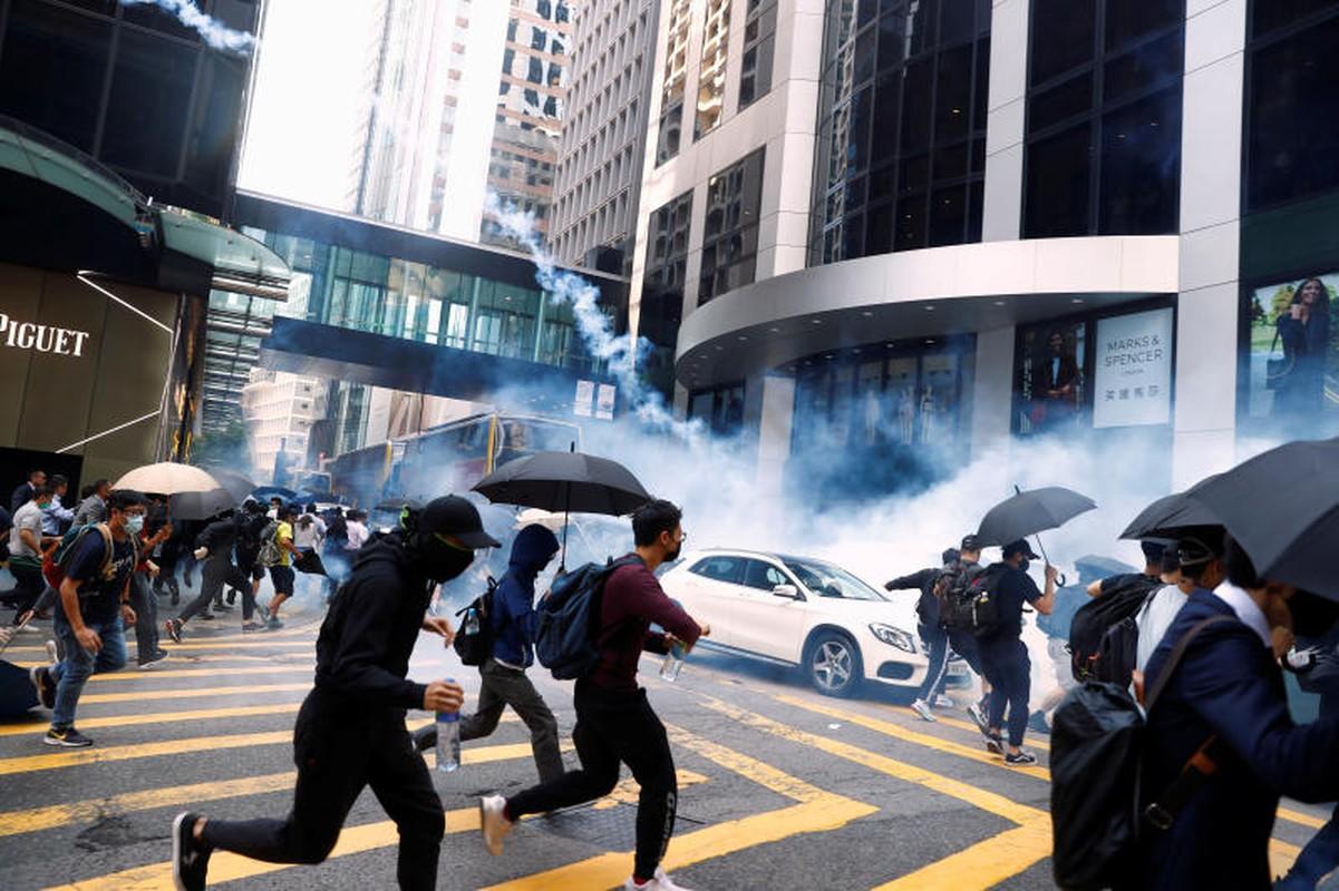 """Rung dong """"voi bach tuoc"""" bang nhom toi pham khet tieng Hong Kong-Hinh-6"""