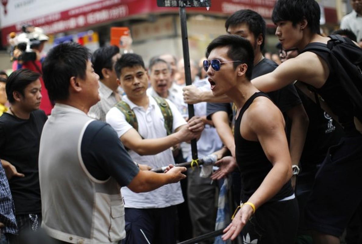 """Rung dong """"voi bach tuoc"""" bang nhom toi pham khet tieng Hong Kong"""