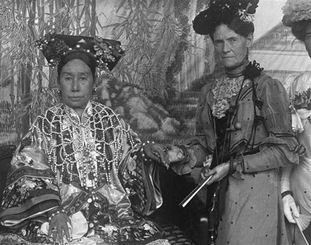 Doc chieu lay long Tu Hy thai hau cua thai giam nha Thanh-Hinh-10