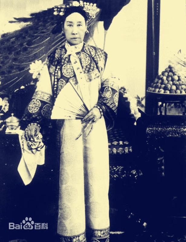 Doc chieu lay long Tu Hy thai hau cua thai giam nha Thanh-Hinh-4