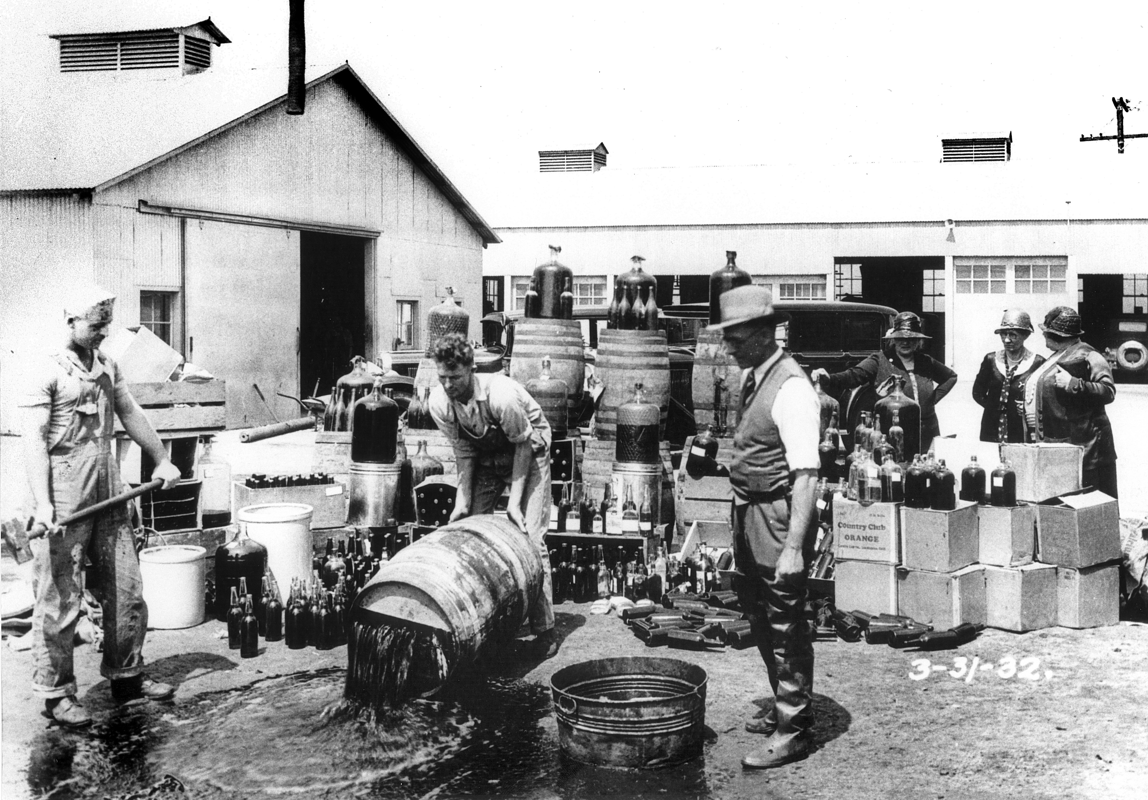 He lo soc mat hang ban chay khi My cam ruou bia nhung nam 1920-Hinh-2