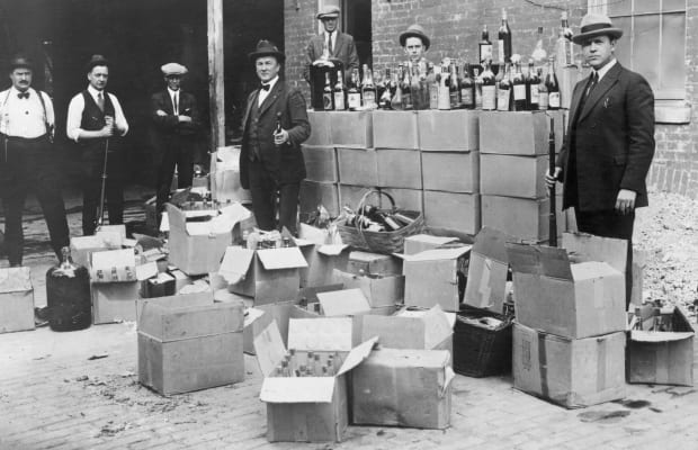 He lo soc mat hang ban chay khi My cam ruou bia nhung nam 1920-Hinh-3