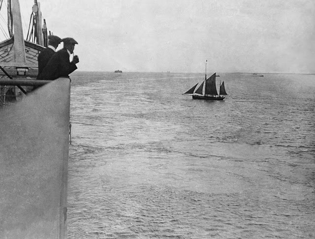 Khoanh khac dat gia tau Titanic huyen thoai truoc khi gap nan-Hinh-3