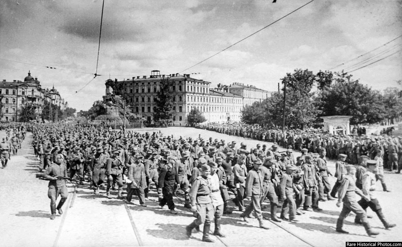 Anh hiem doi quan that bai cua Hitler di dieu pho o Moscow 1944-Hinh-4