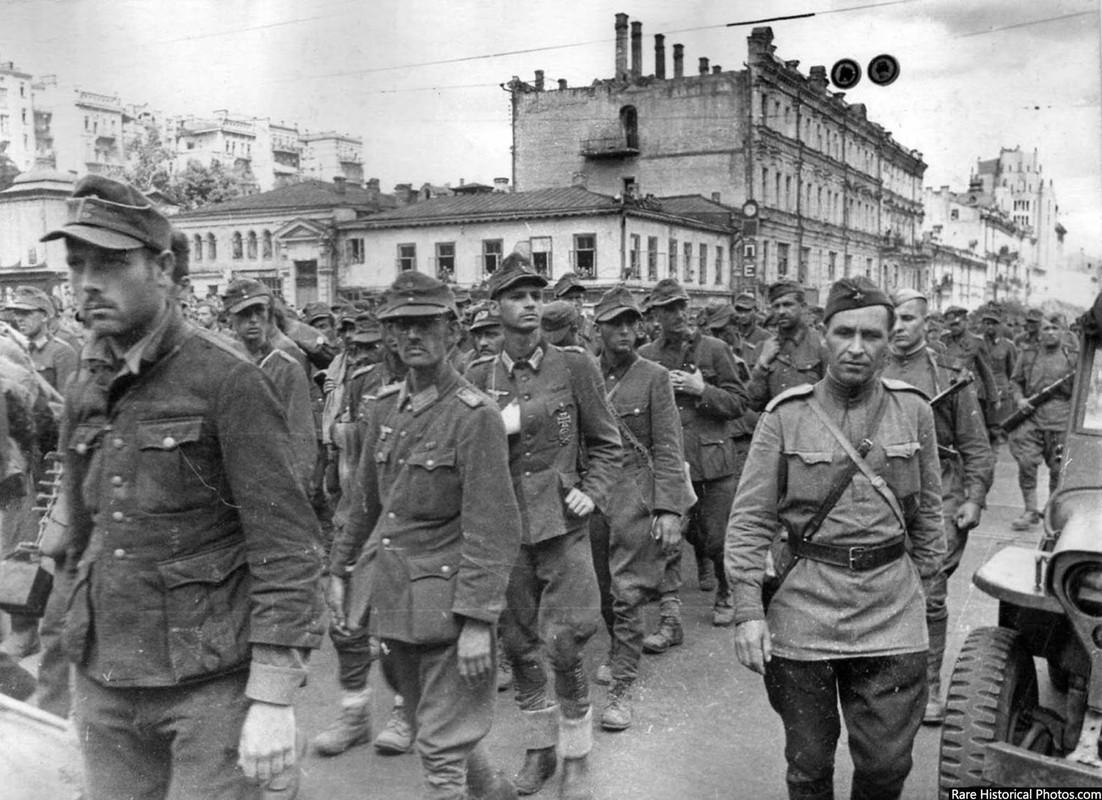Anh hiem doi quan that bai cua Hitler di dieu pho o Moscow 1944-Hinh-6