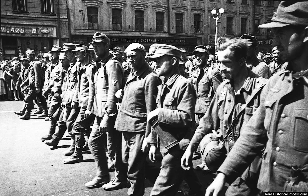 Anh hiem doi quan that bai cua Hitler di dieu pho o Moscow 1944-Hinh-9