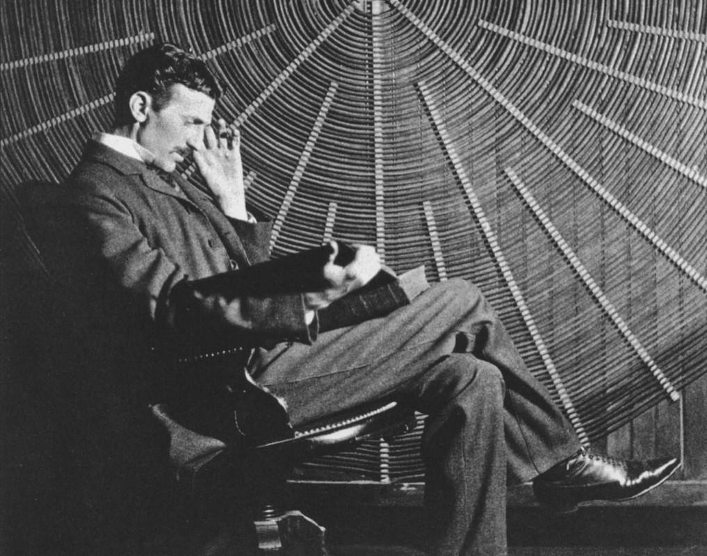 Nha khoa hoc Nikola Tesla: Say me nghien cuu, khong mang nu sac-Hinh-7