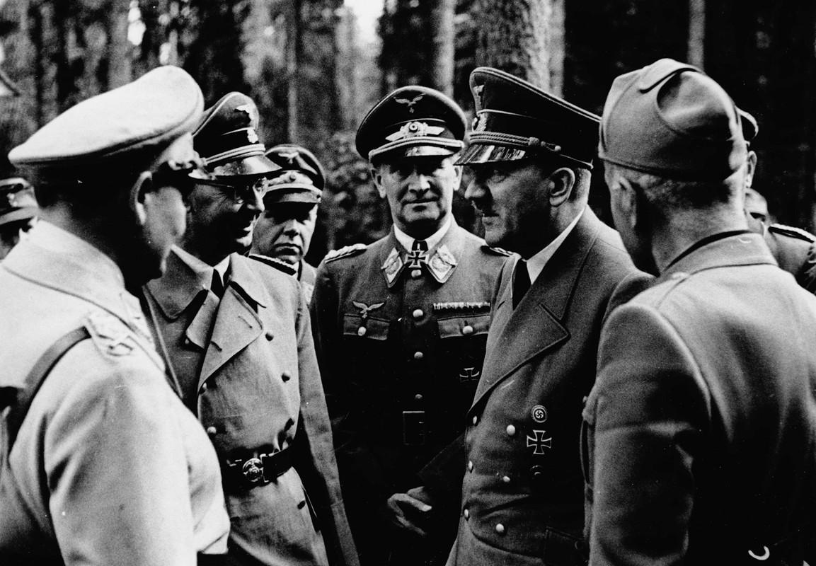 Bat duoc con trai Stalin, Hitler muon doi lay nguoi nao?-Hinh-10