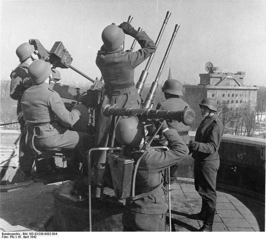 Hitler xay dung cong trinh nao de bao ve Berlin truoc quan Dong minh?-Hinh-3