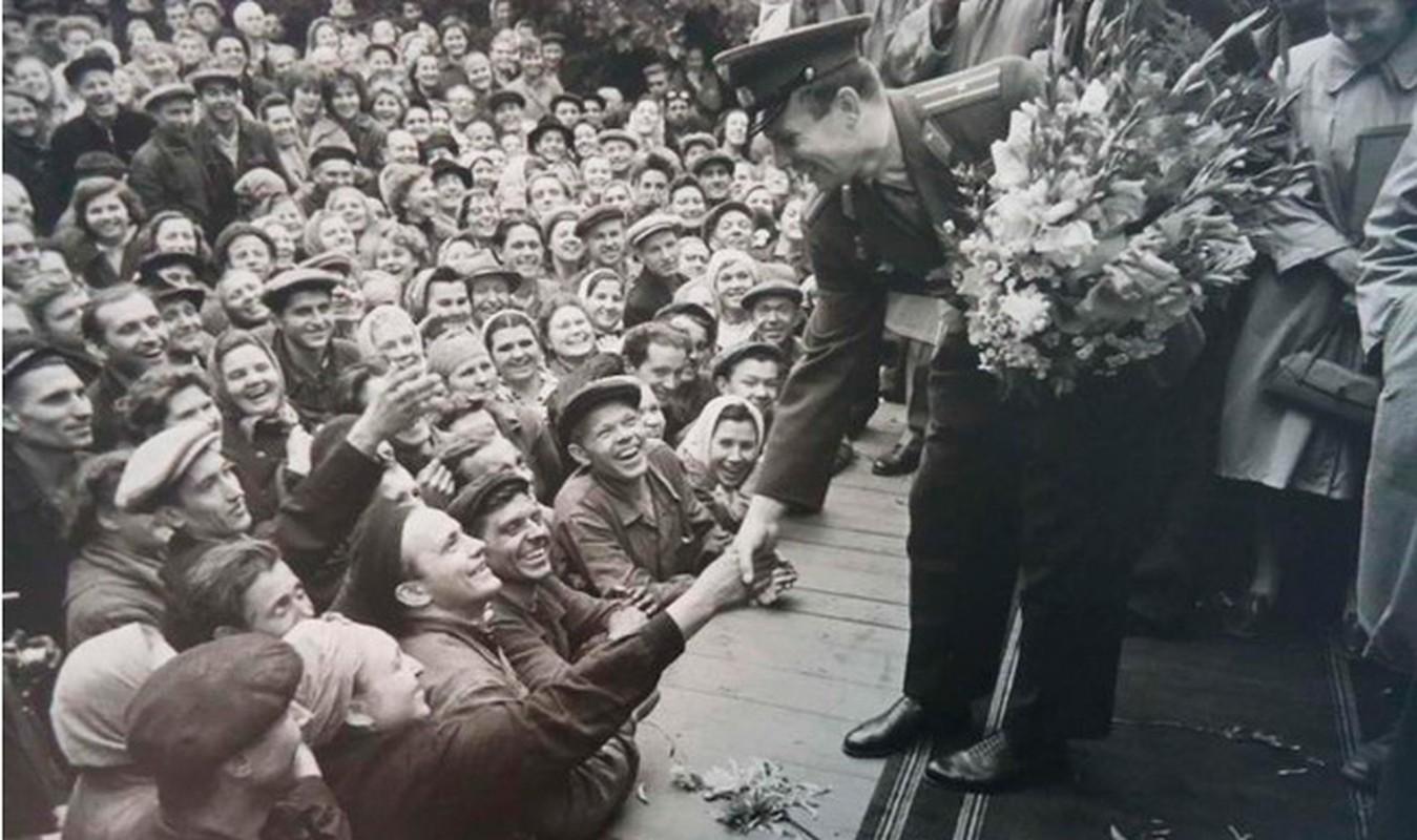 Bo anh an tuong dat nuoc - con nguoi Lien Xo nam 1961-Hinh-4