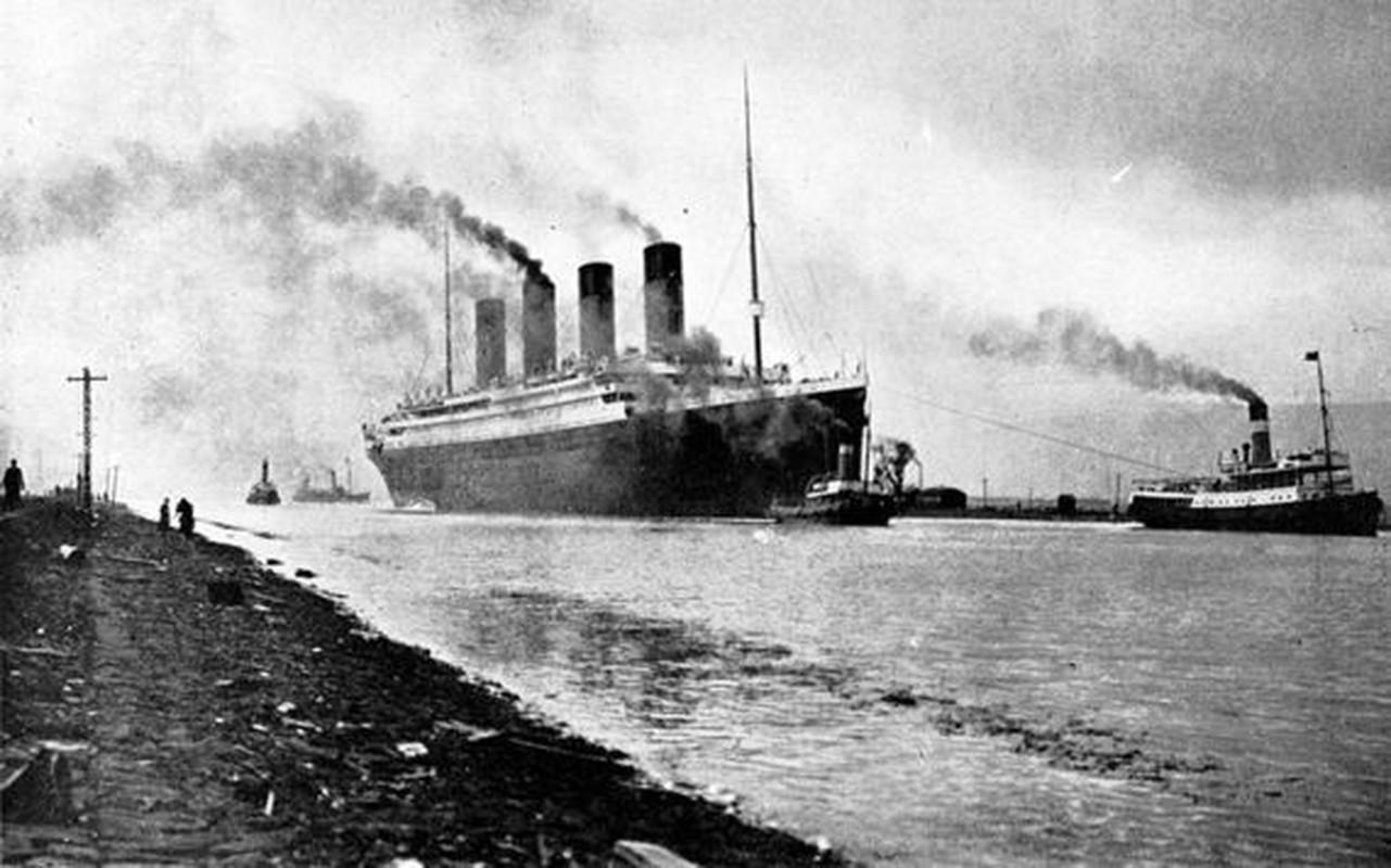 "Trong luong ""khung"", tau Titanic huyen thoai chim nhanh hon?"
