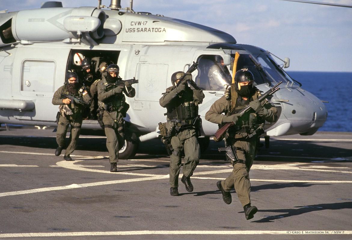 He lo bat ngo doi dac nhiem tieu diet trum khung bo Osama bin Laden-Hinh-7