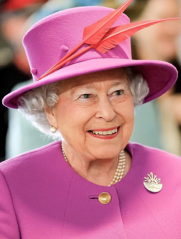 He lo thoi quen buoi sang cua Nu hoang Anh Elizabeth II-Hinh-5