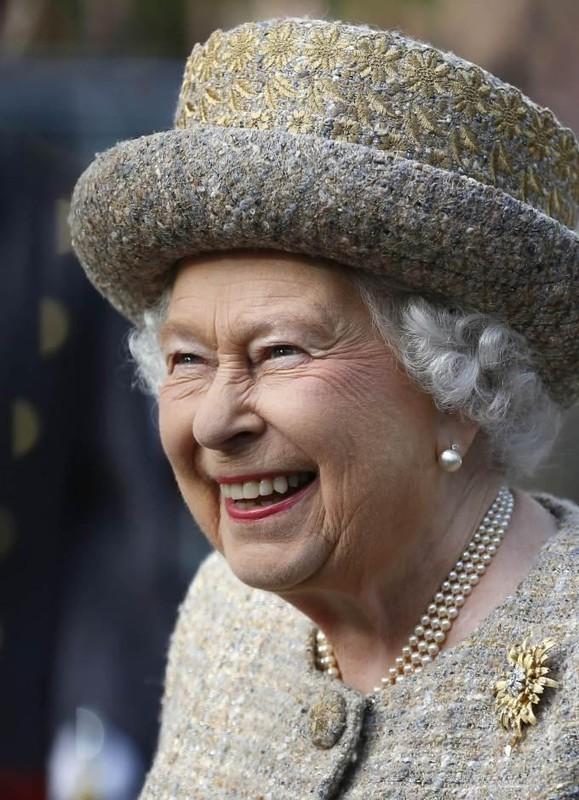 He lo thoi quen buoi sang cua Nu hoang Anh Elizabeth II-Hinh-7