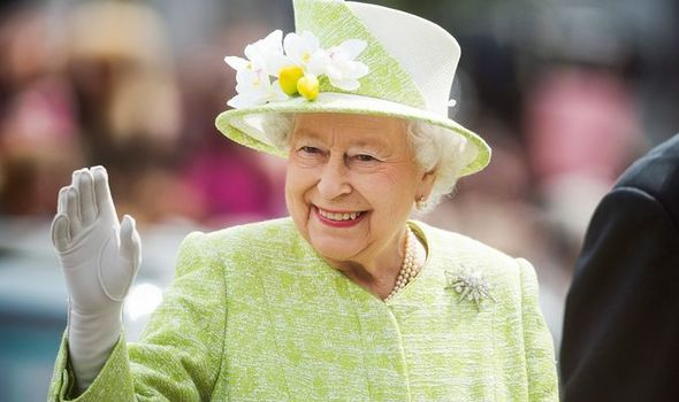 He lo thoi quen buoi sang cua Nu hoang Anh Elizabeth II