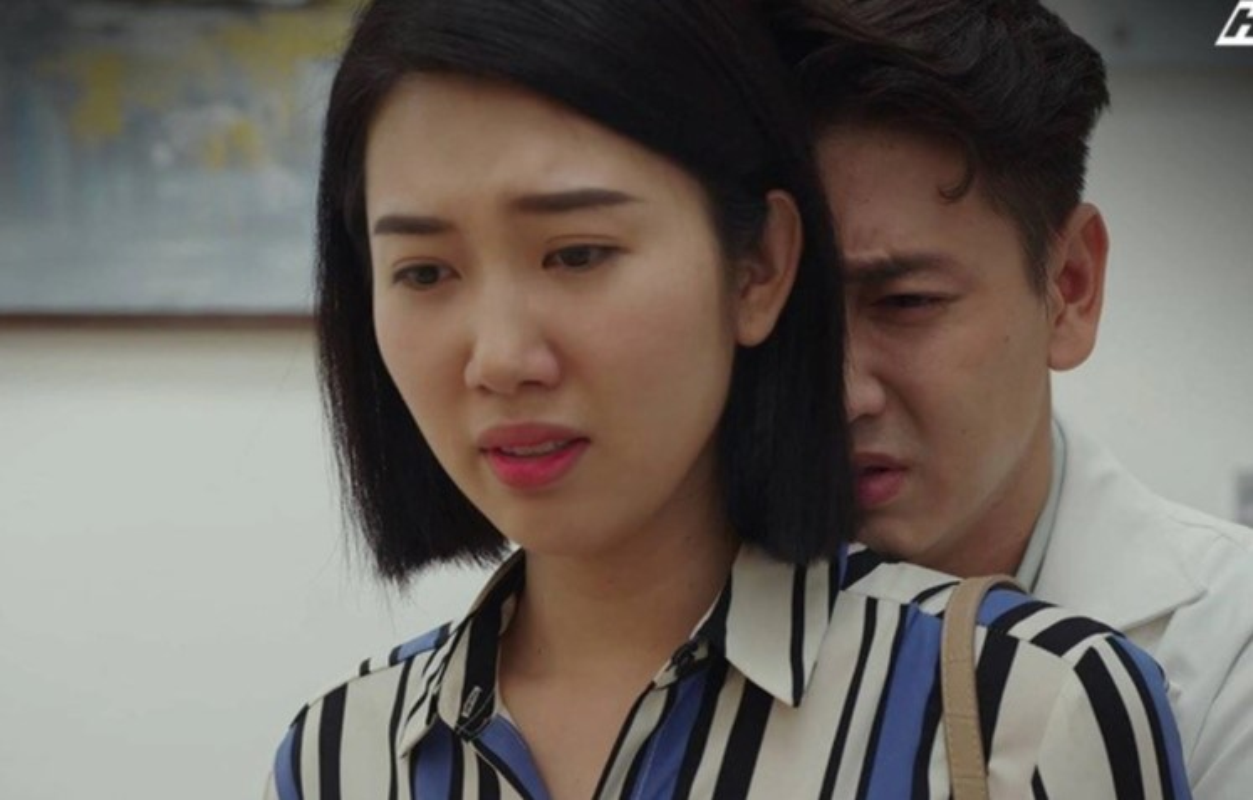 Nha Phuong mac loe loet trong