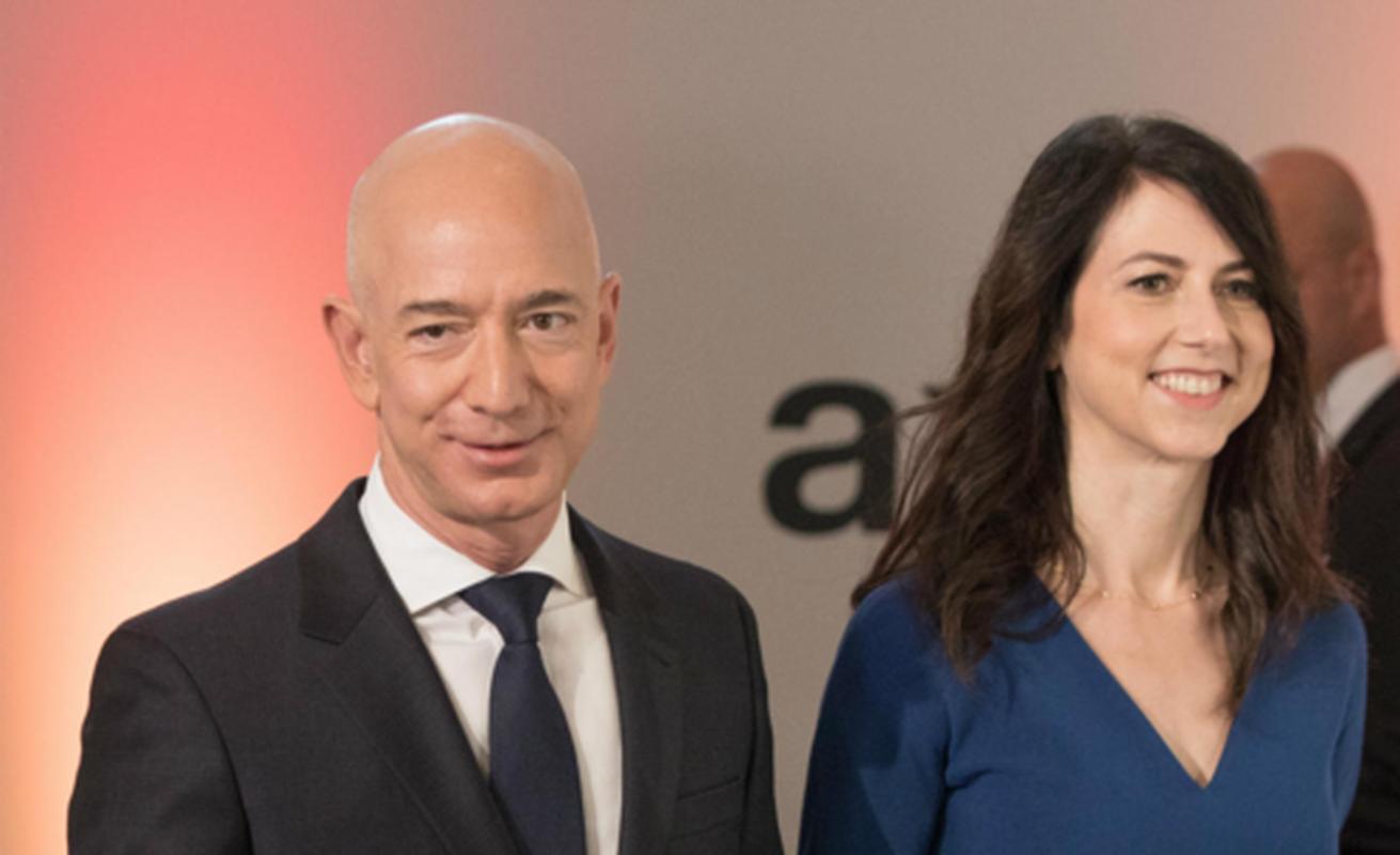"""Loat diem chung """"dang ne"""" cua ty phu Bill Gates va Jeff Bezos-Hinh-10"""