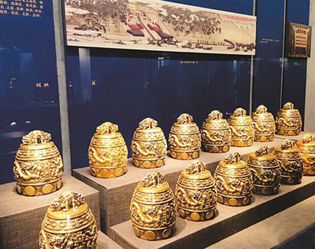 Bao tang ben trong Tu Cam Thanh co nhung bao vat nao?-Hinh-7