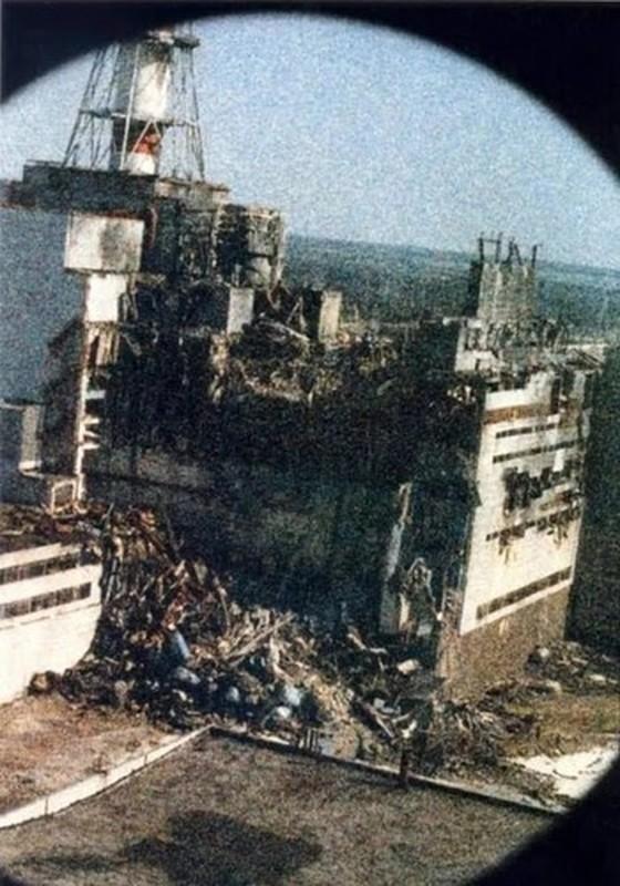 Nha may hat nhan Chernobyl co the phat no: Am anh tham hoa xua-Hinh-5