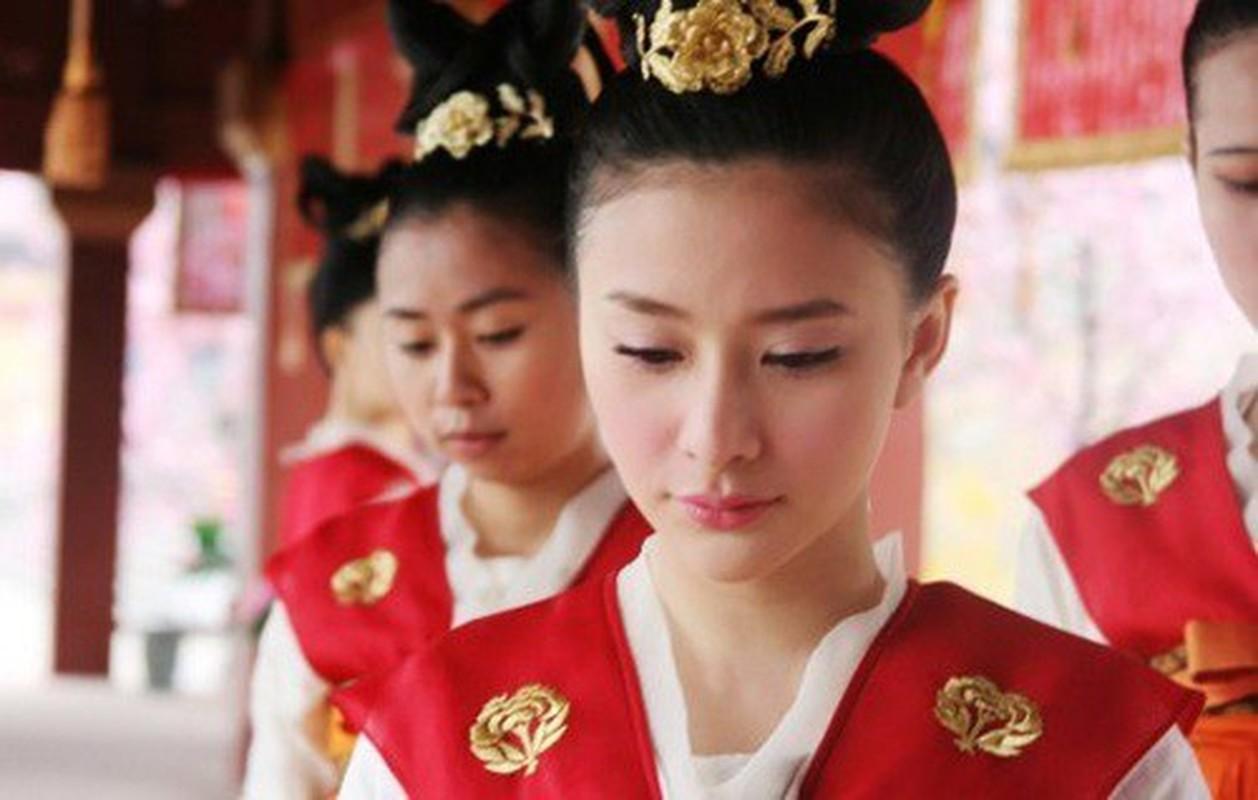 """""""Ban an tu chung than"""" cua cung nu Trung Quoc thoi phong kien-Hinh-2"""