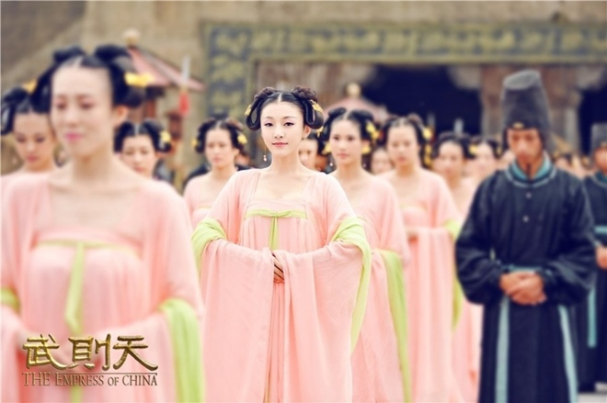 """""""Ban an tu chung than"""" cua cung nu Trung Quoc thoi phong kien-Hinh-4"""